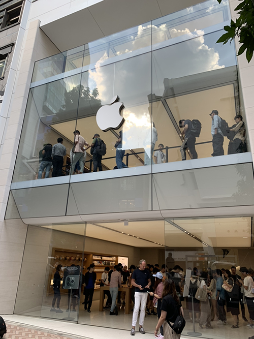 iPhone11・iPhone11Proが販売開始!早速アップルストア渋谷で実物を見てきました!